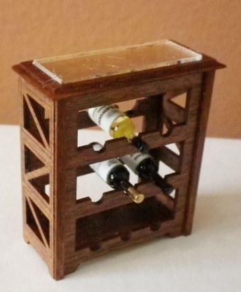 "1"" Scale Wine Rack Cherry & Goldleaf with 3 Bottles of Wine"